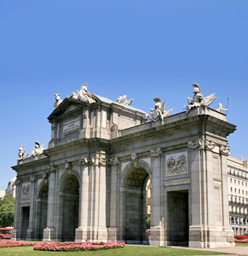 Save on cheap flights to Madrid